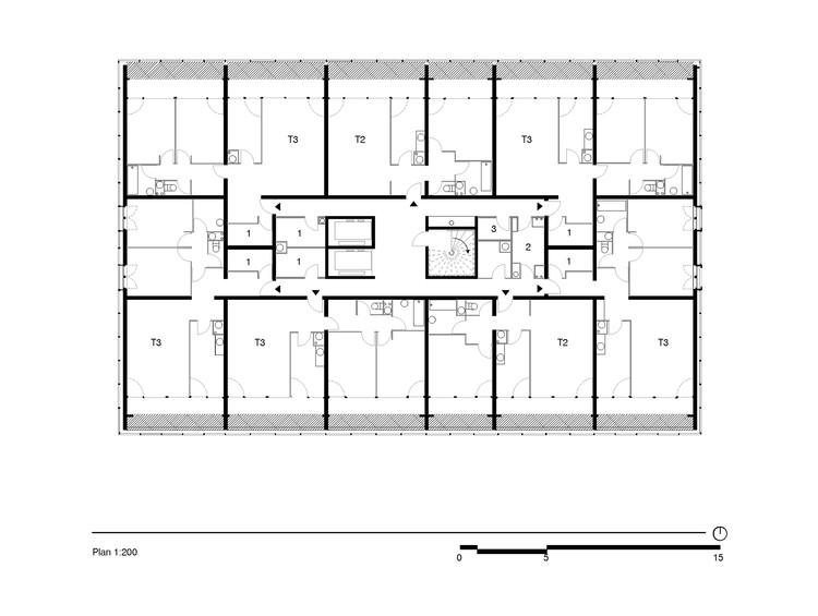 Floor Plan (1:200)