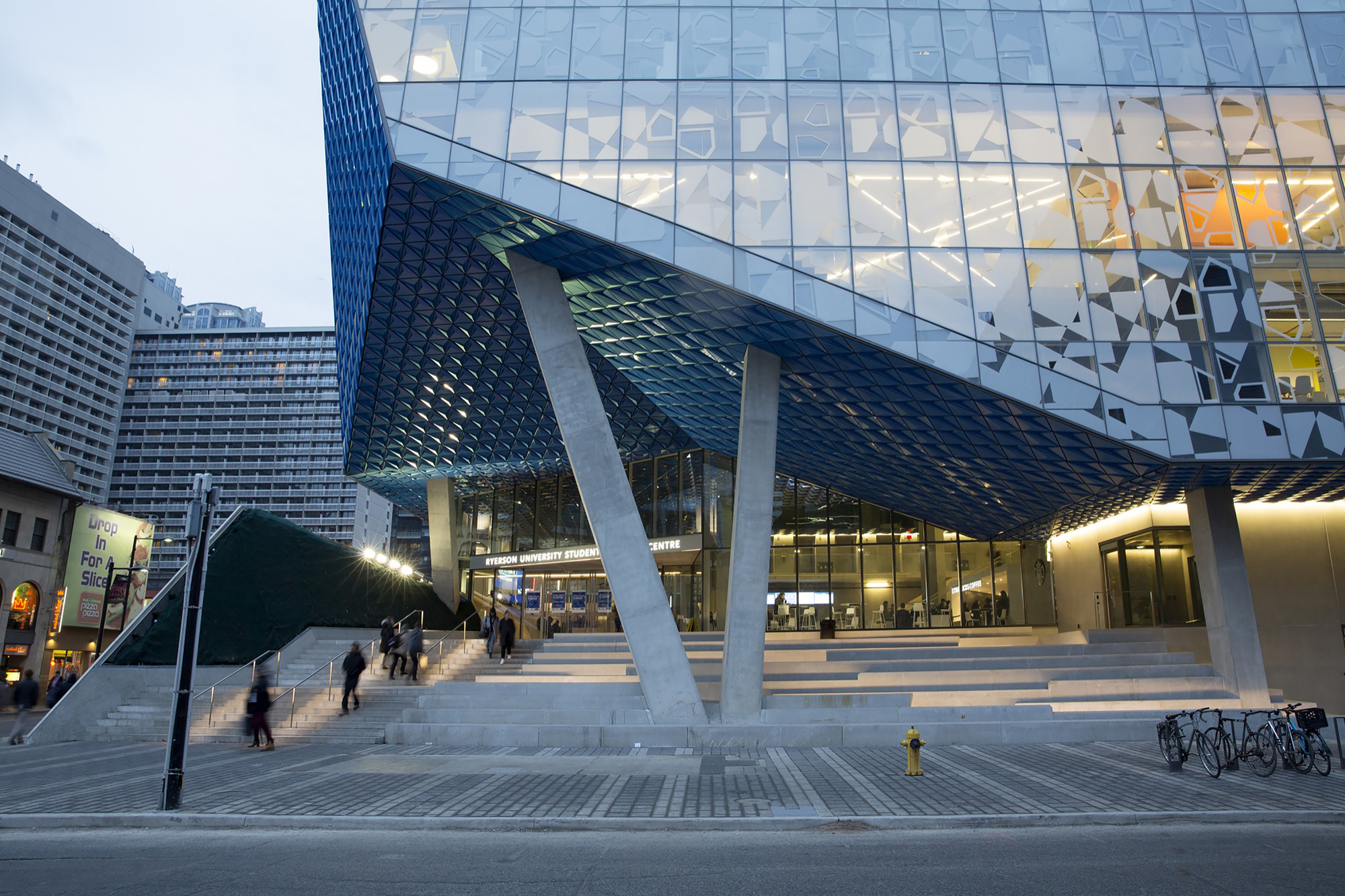 Fashion communication at ryerson university rankings and reviews Ryerson University (StudentsReview) - Comments, Reviews and