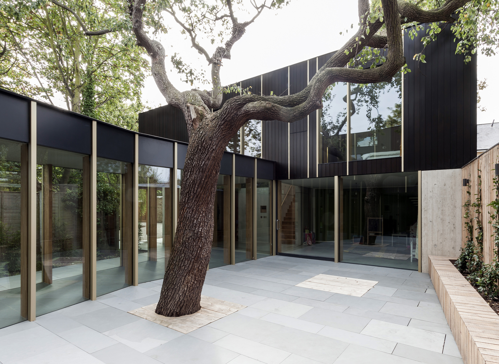 Great British Buildings: Pear ree House, London rchDaily - ^