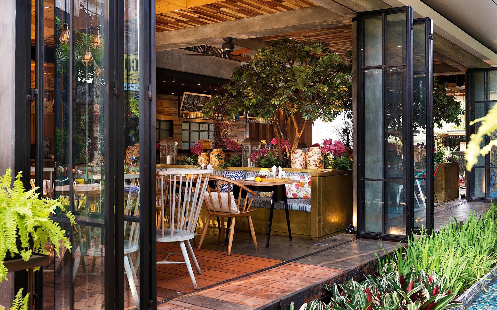 Byzantium Bar And Restaurant
