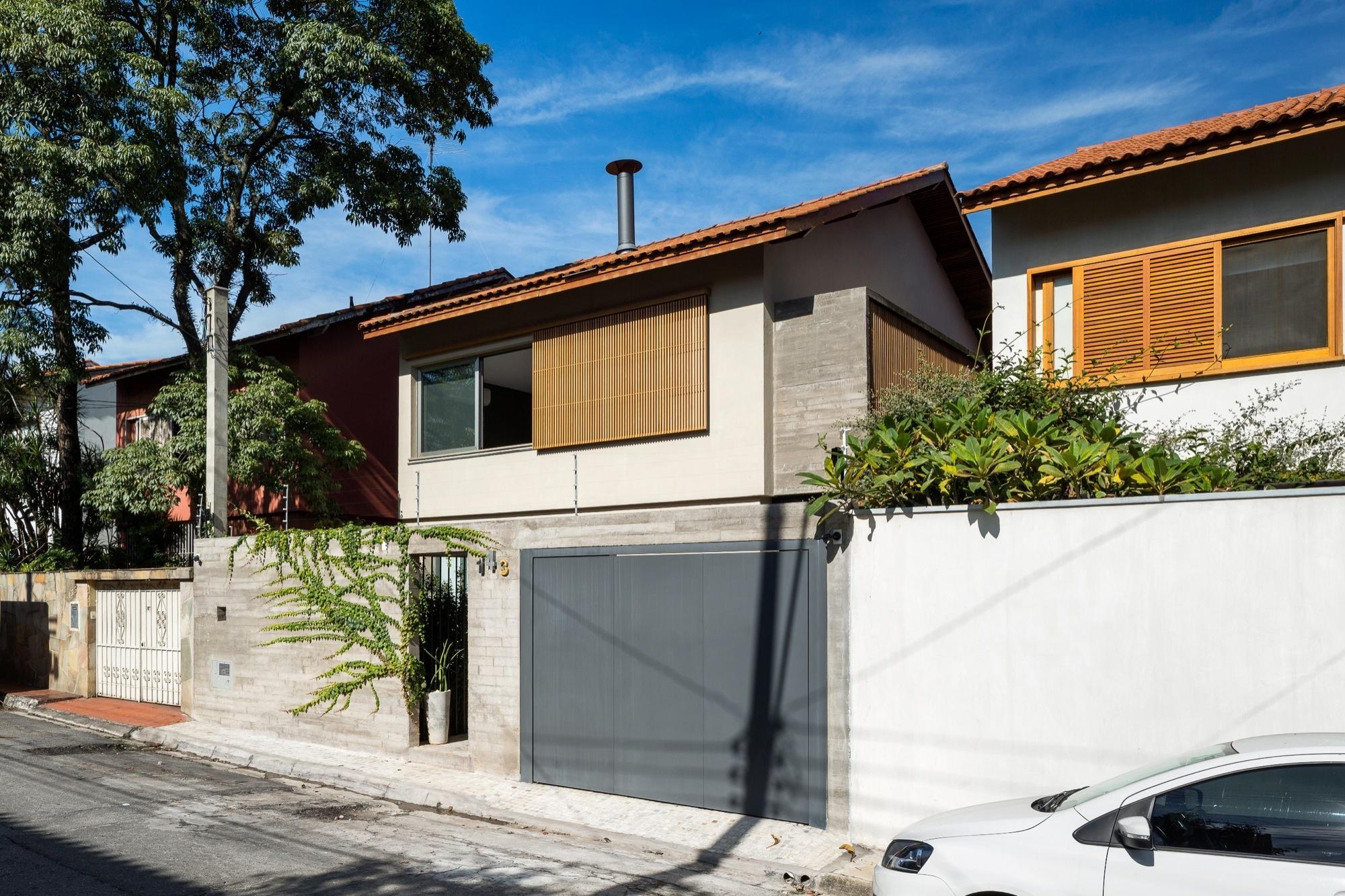 Galeria de casa sagarana rocco arquitetos 3 - The narrow house of sao paolo ...