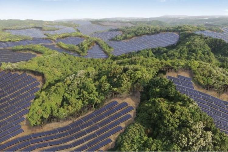 En Japón convierten campos de golf abandonados en granjas solares, Render del proyecto de Kyocera Kanoya Osaki Solar Hills. Imagen © Kyocera