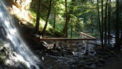 """""""El Velo de la Novia"""", acueducto de 4000 agujeros en la exuberante naturaleza del Macizo Central francés"""