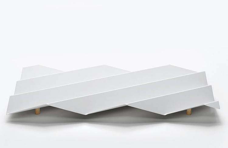 Wavy tray. Image Cortesía de Obvious