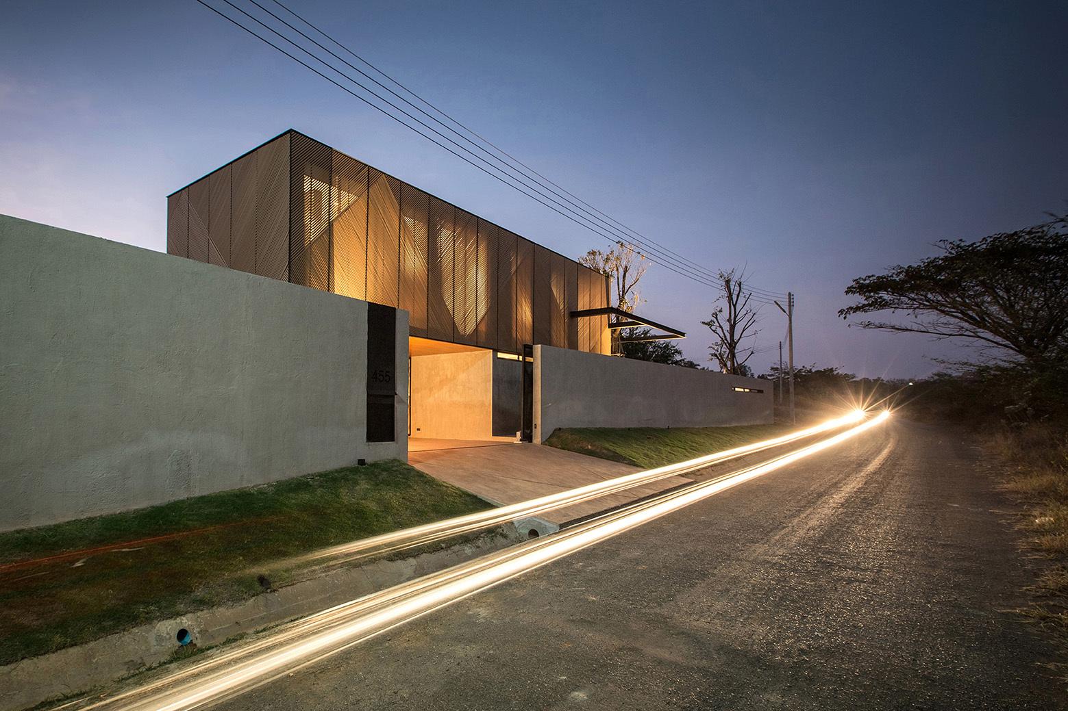 Gallery of ka house idin architects 9 for Ka chengardinen modern ka chen