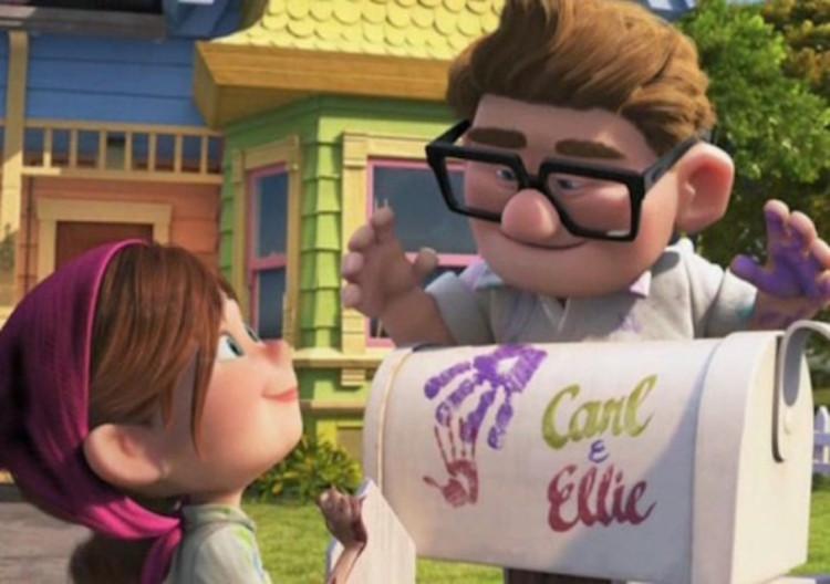 La pareja enamorada de Ellie y Carl literalmente dejan sus huellas en su casa, un reflejo de su relación, pero diferentes personalidades complementarias. Imagen © Pixar