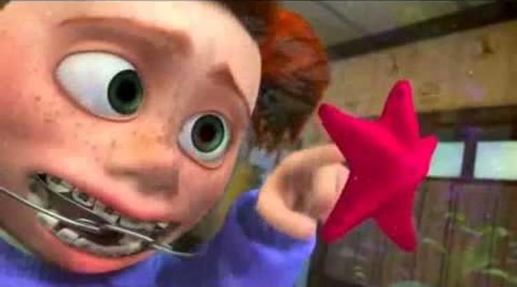Finding Nemo nos muestra la pecera de la oficina de un dentista común desde el otro lado del cristal, y cómo sus habitantes podrían ver a los seres humanos. Imagen © Pixar