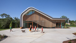 Adam Aronson Fine Arts Center  / Trivers Associates
