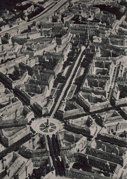 Saarinen's unbuilt plan for the Haaga district of Helsinki. Image <a href='https://commons.wikimedia.org/wiki/File:Haga_vy.jpg'>via Wikimedia</a> (public domain)