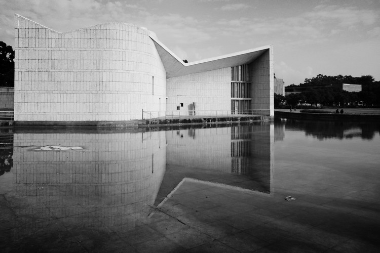 Gandhi Bhawan. Pierre Jeanneret. Imagen © Fernanda Antonio
