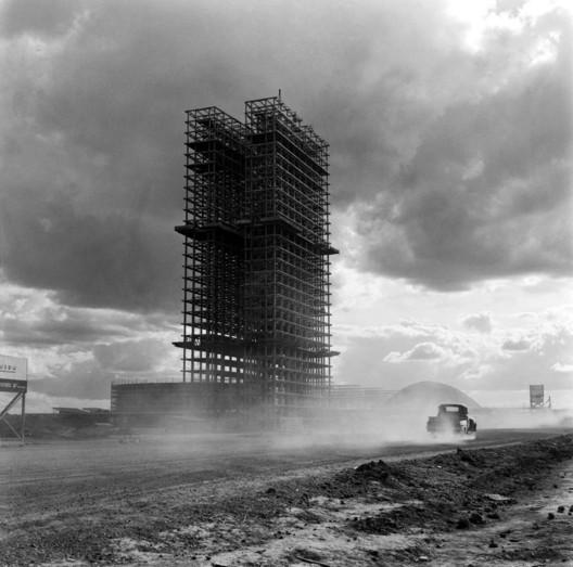 Congresso Nacional. Oscar Niemeyer. Image © Marcel Gautherot