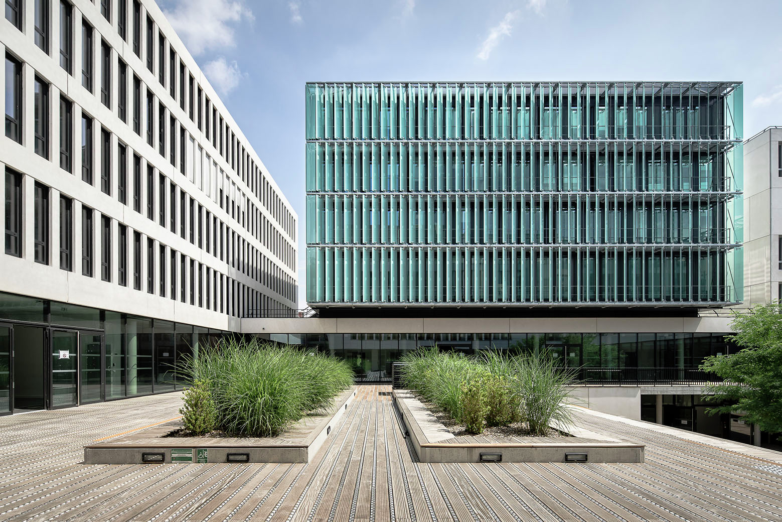 University centre des quais auer weber archdaily for Architecture lyon