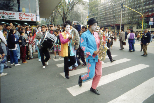 Mimes ridiculing bad-behaviour on the roads in Bogotá