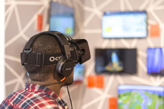 Riding a virtual reality rollercoaster through a skyscraper city. c Agnese Sanvito