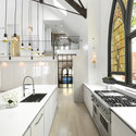 Igreja transformada numa casa / Linc Thelen Design + Scrafano Architects