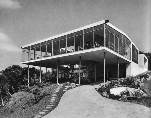 Casa de Vidro. Image © Chico Albuquerque