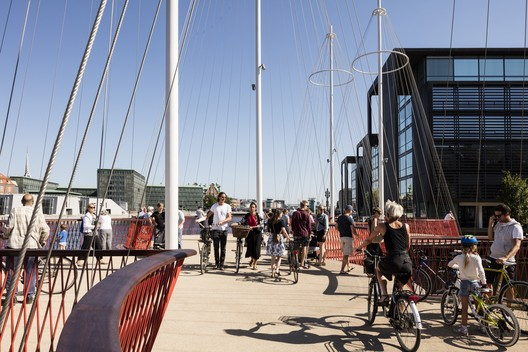 Olafur Eliasson, Cirkelbroen (The circle bridge), 2015. Christianshavns Kanal, Copenhagen. Photo: Anders Sune Berg. A gift from Nordea-fonden to the city of Copenhagen.