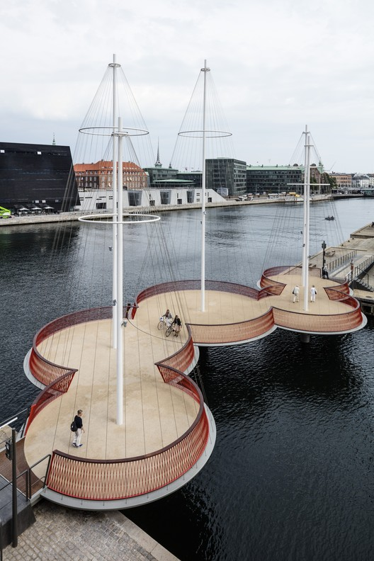 Cirkelbroen Bridge / Studio Olafur Eliasson, Olafur Eliasson, Cirkelbroen (The circle bridge), 2015. Christianshavns Kanal, Copenhagen. Photo: Anders Sune Berg. A gift from Nordea-fonden to the city of Copenhagen.