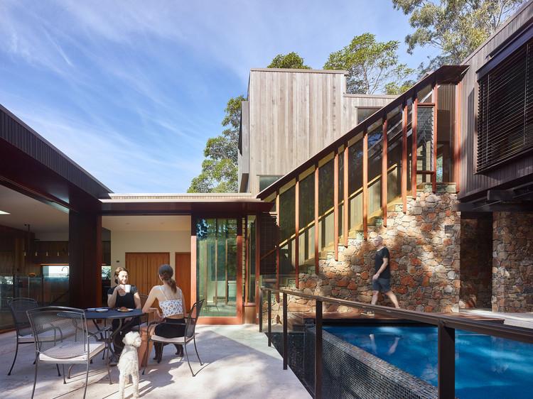 Bardon Residence / Bligh Graham Architects, © Scott Burrows
