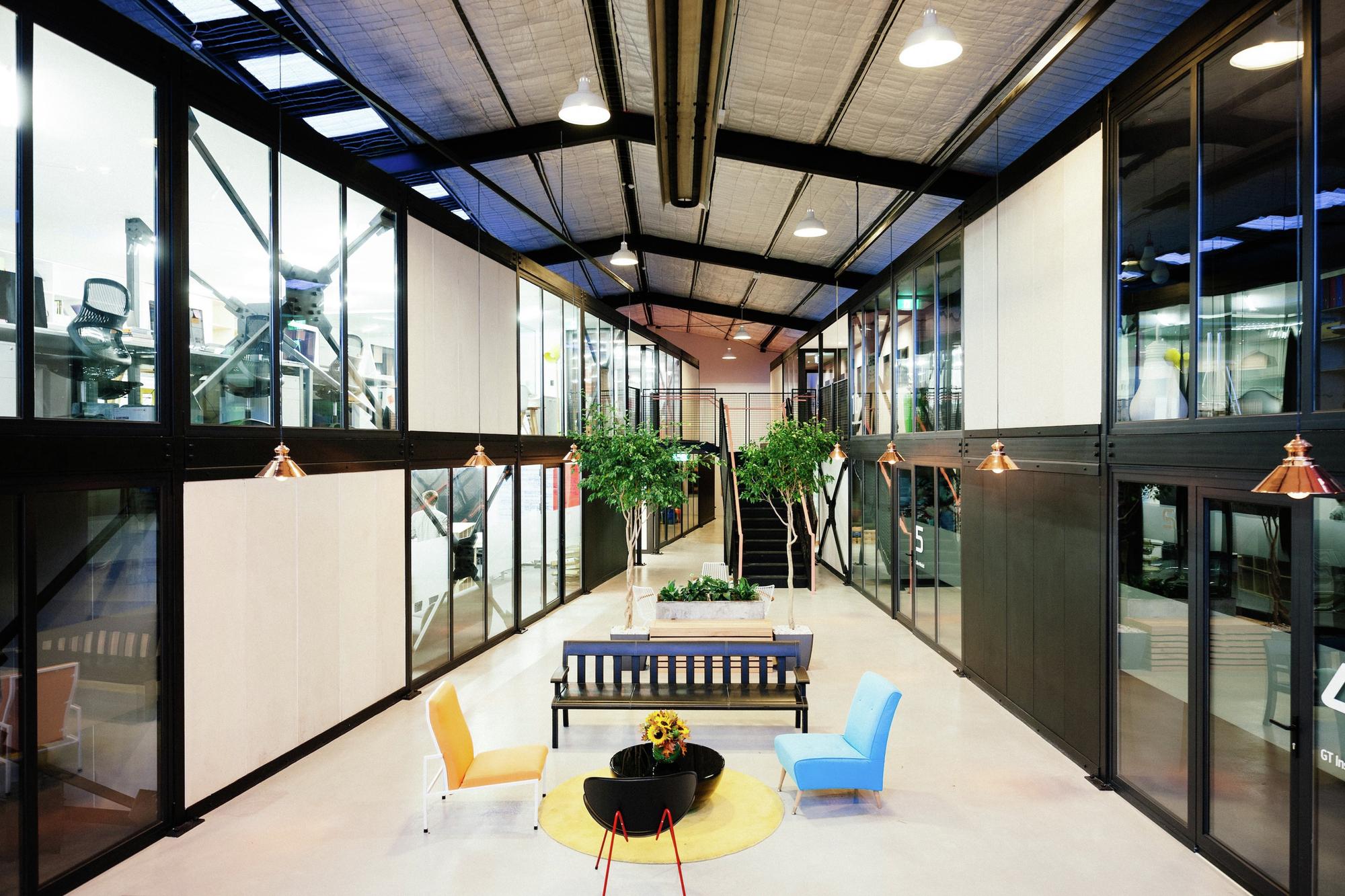 Qb studios qb modular archdaily for Prefabricated studio