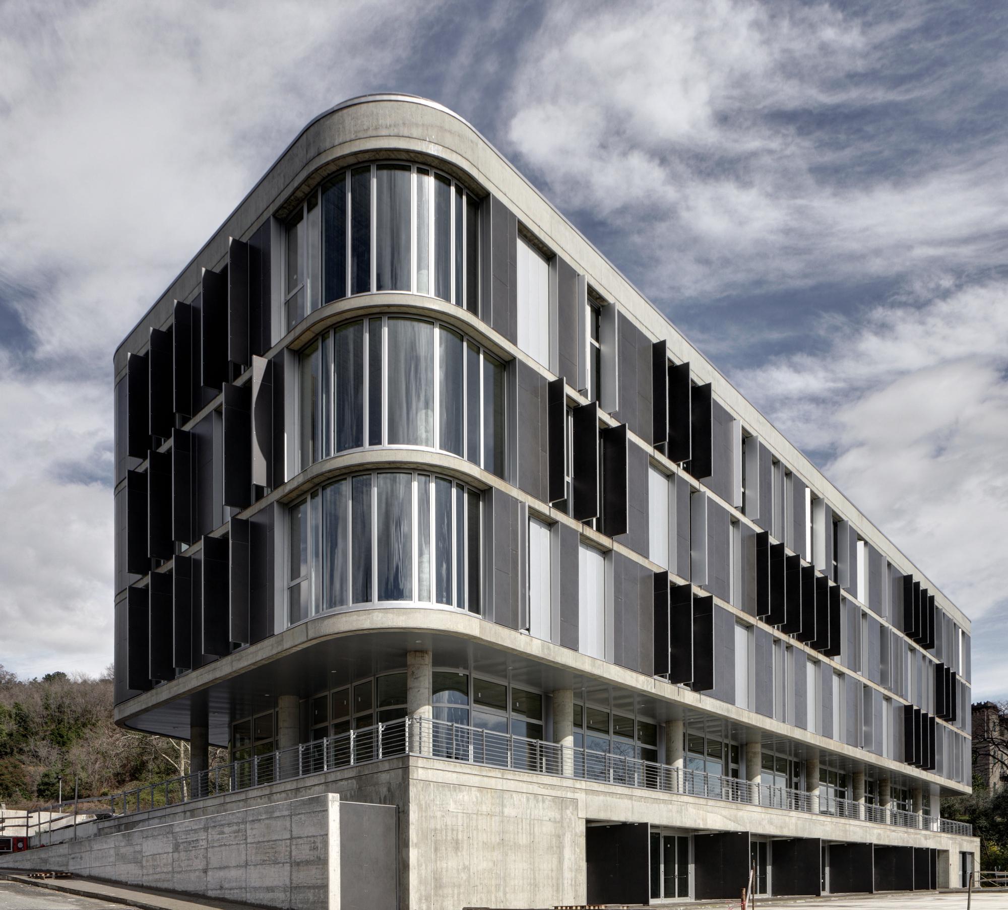 Architecture Facades: Natali Building / MMAA