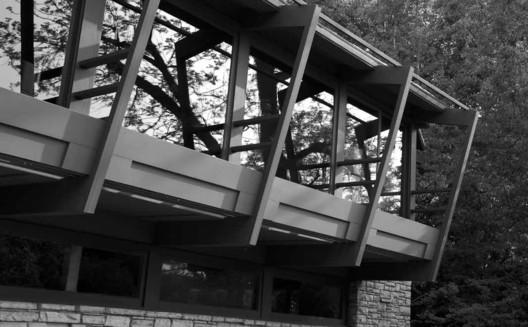 Casa Rodriguez, em Glendale, Califórnia, em As casas de Schindler (2006-07). Image via Catágolo da mostra