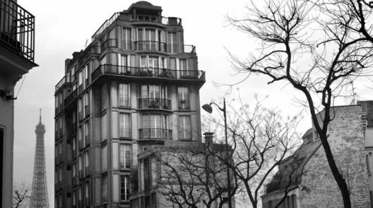 Edifício residencial na Rue Raynouard, Paris, em Perret na França e Argélia (2011-12). Image via Catágolo da mostra