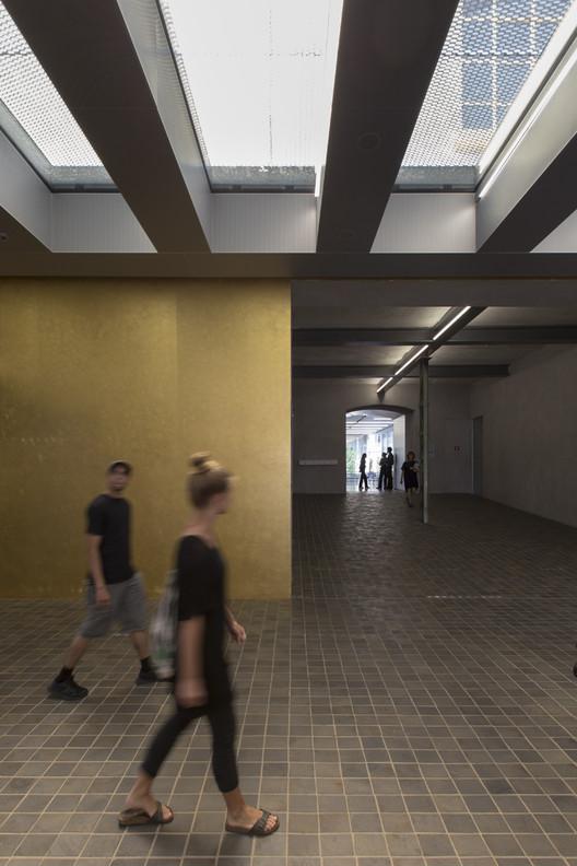 Fondazione Prada / OMA. Imagen © Laurian Ghinitoiu