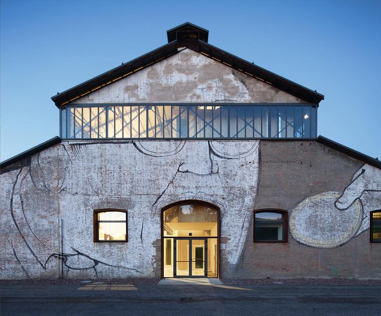 Tecnópolis para la Investigación Industrial Hangar # 19 / Andrea Oliva Architetto, © Kai-Uwe Schulte-Bunert