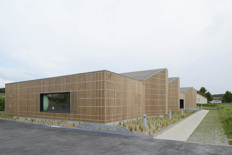Health Municipal Clinic / studiolada architects, © Nicolas Waltefaugle