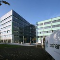 QuadroClad™ Glass Façade Panels / Hunter Douglas Contract