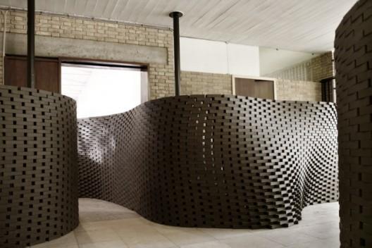 Ondulating brick wall done by Gramazio & Kohler's robot