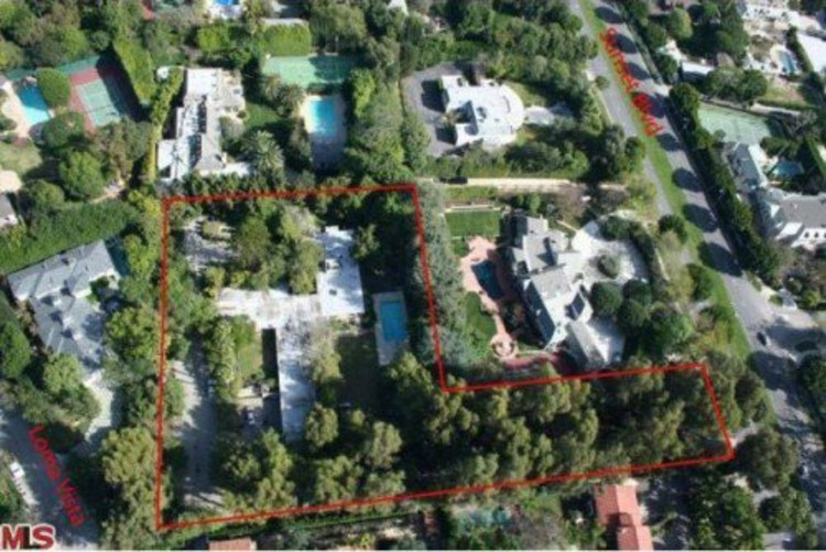 Aerial View of the Kronish House, From Redfin via Creative Commons Licence