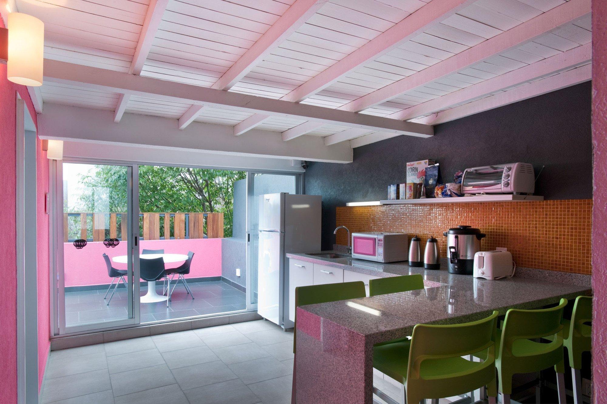 Gallery of hostel la buena vida arco arquitectura contempor nea 10 - Estilo arquitectura contemporaneo ...