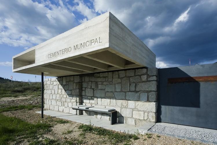 Columbario en robregordo muka arquitectura plataforma - Muka arquitectura ...