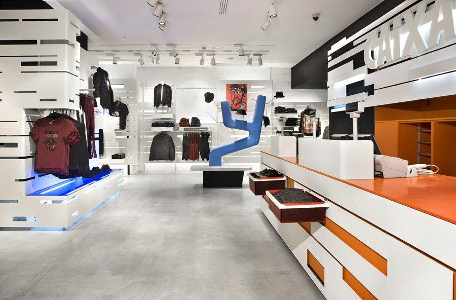 gallery of h m store in barcelona estudio mariscal 21. Black Bedroom Furniture Sets. Home Design Ideas