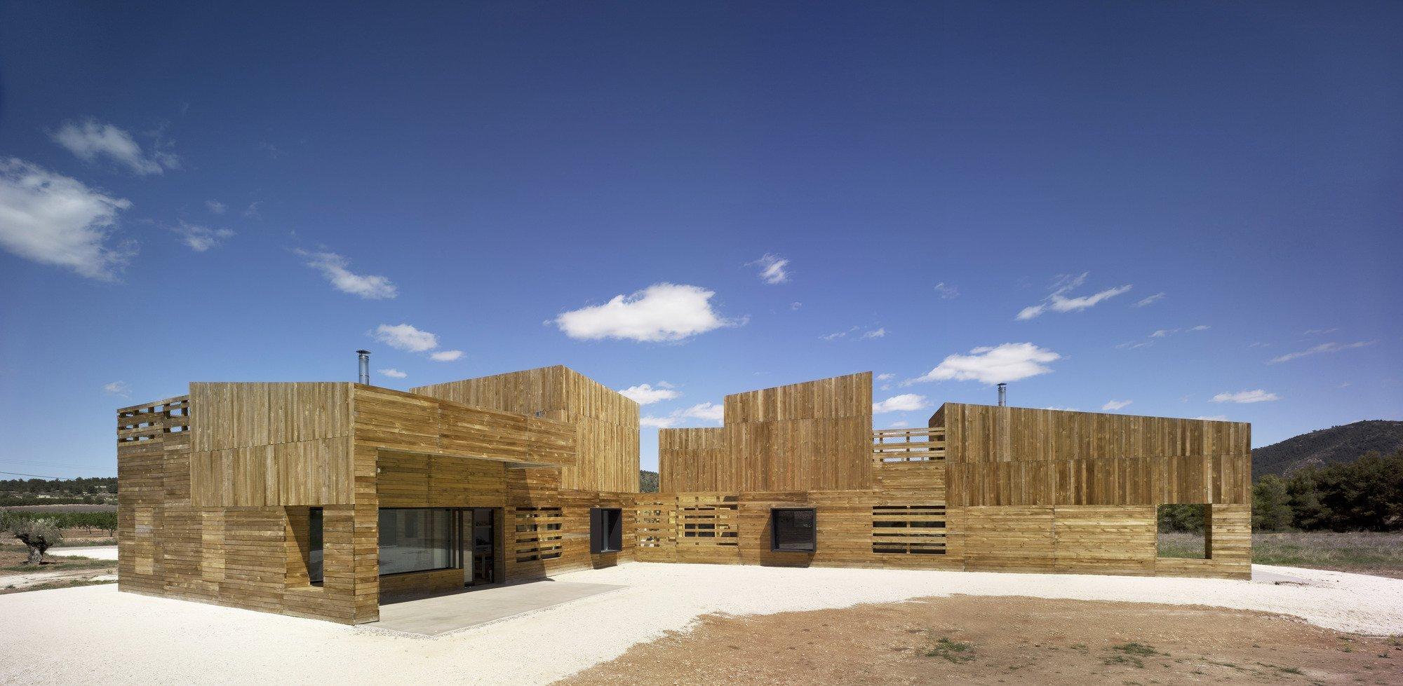 Casa para tres hermanas blancafort reus arquitectura plataforma arquitectura - Casa rural reus ...