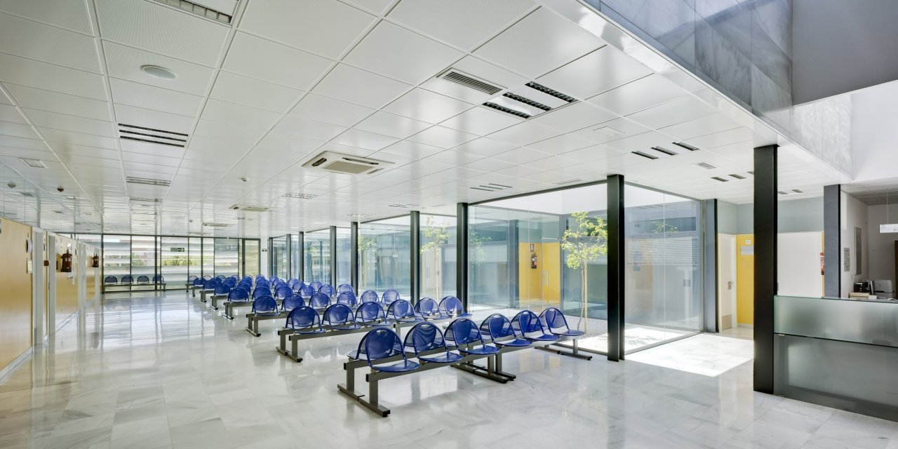 Centro de salud mediterr neo norte ferrer arquitectos for Edificios educativos arquitectura
