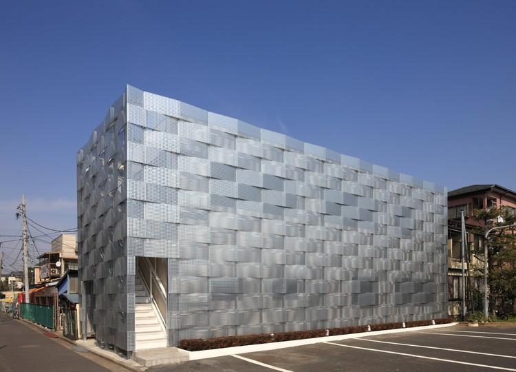 Renovación del Club Edogawa Garage / Jun'ichi Ito ...