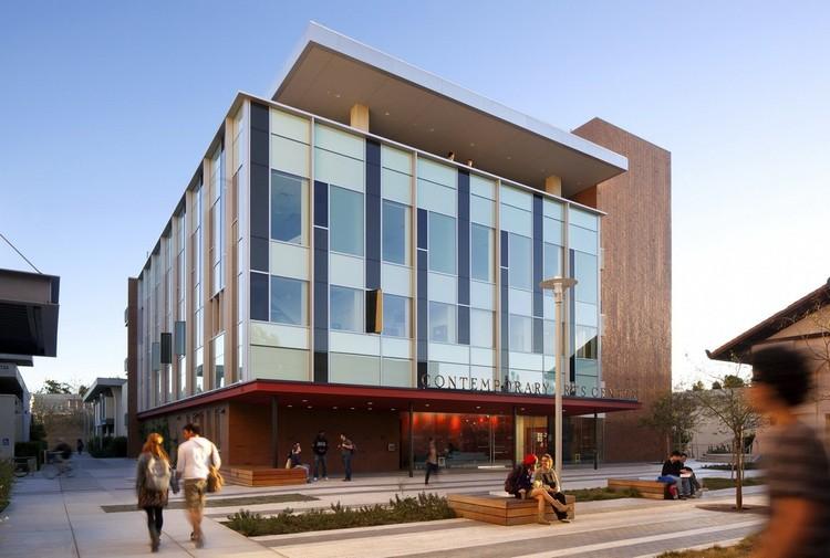 Centro de artes contempor neas de la universidad de for Universidad de arte