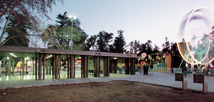 Pabellones parque independencia rafael iglesia for Arquitectura rosario