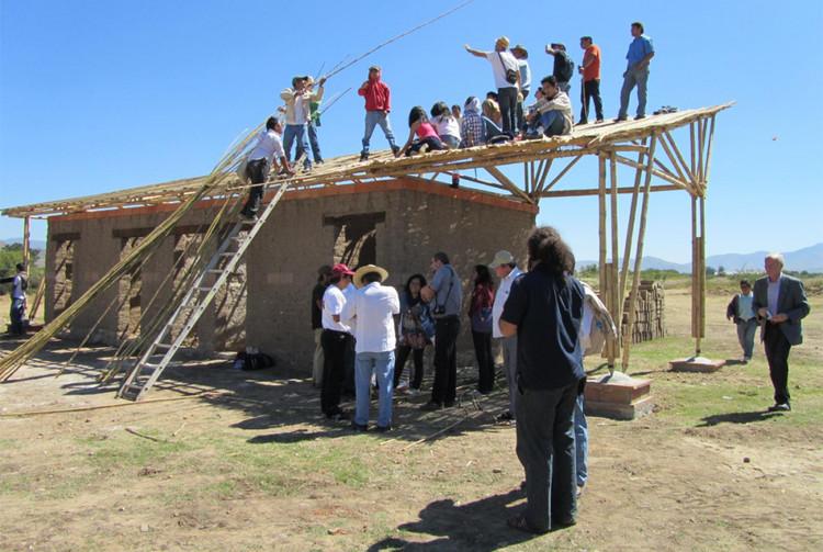 Primera etapa del centro deportivo rural para San Pedro Apóstol, México. © Architecture for Humanity