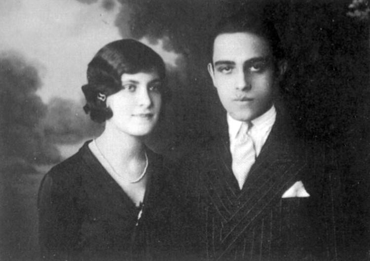 1928 | Se casa con Annita © ON