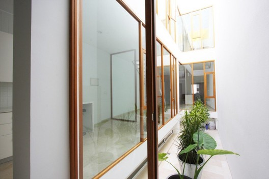 Archivo patios interiores plataforma arquitectura for Muebles para patios interiores