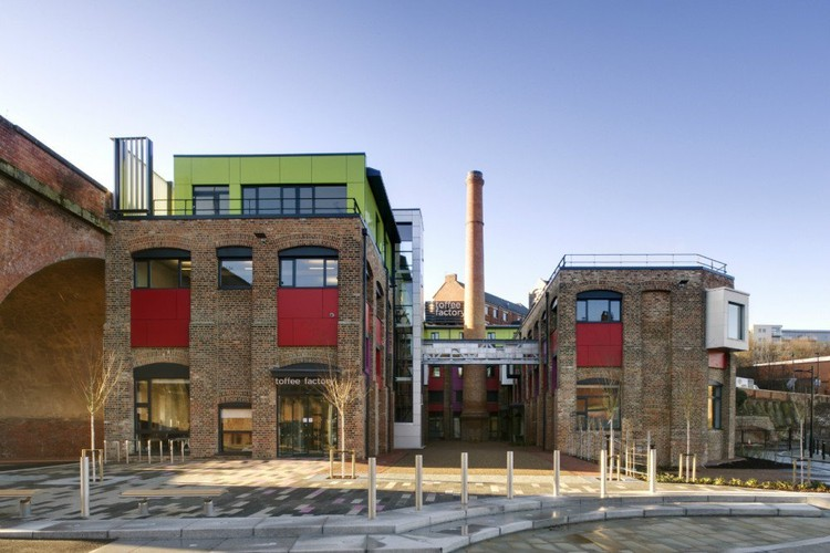 Toffee Factory por xsite architecture © Jill Tate