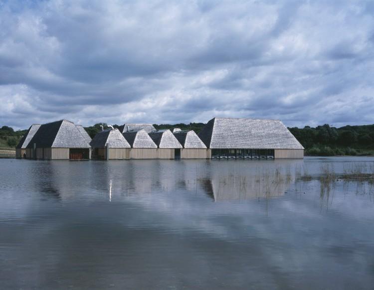 Brockholes Visitor Centre por Adam Khan Architects © Ioana Marinescu