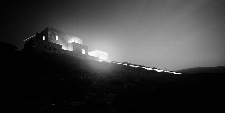DECA Architecture Krater House, Antiparos, Greece © Erieta Attali