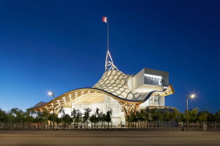 Centre Pompidou – Metz, Metz, France por Shigeru Ban y Jean de Gastine Architectes con Gumuchdjian Architects © Didier Boy de la Tour