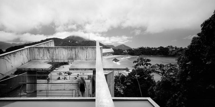 SPBR, Angelo Bucci House in Ibatuba, Brazil © Erieta Attali