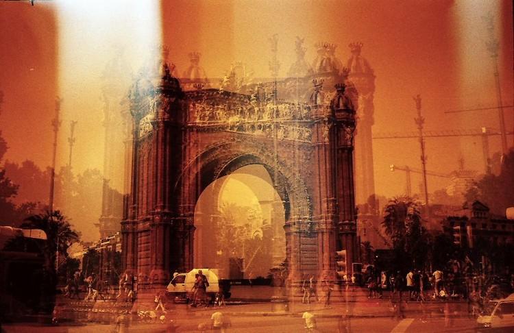Arco del Triunfo · Barcelona · analógico · 35mm · triple exposición ©aitorestevez